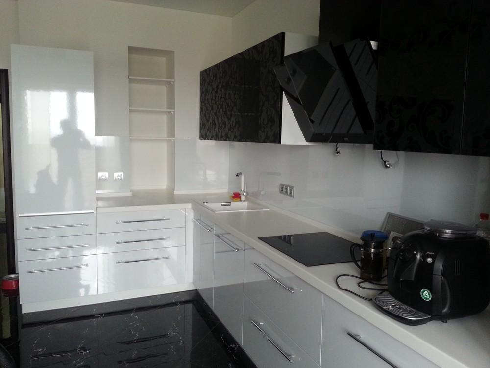 Белый кухонный гарнитур-Кухня МДФ в ПВХ «Модель 209»-фото1